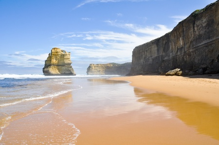 natural landmark: Gibson Steps and the Twelve Apostles, Victoria (Australia) Stock Photo
