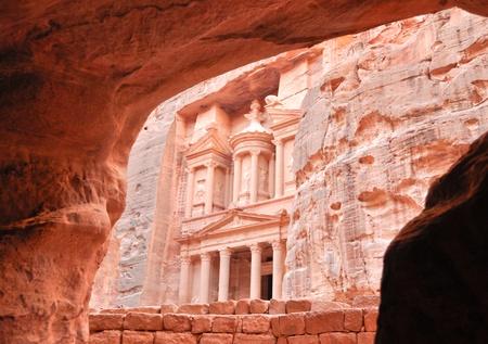 petra  jordan: The treasury at Petra, Jordan Stock Photo