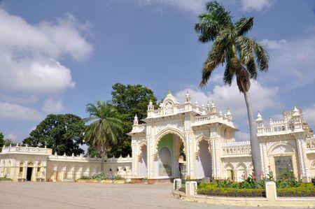 royal palace: Gate at Mysore palace (India)