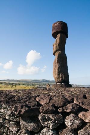 rapa nui: Moai en Tahai, Isla de Pascua Chile