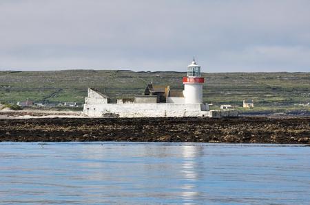 aran islands: Faro en Inishmore, Aran islas en Irlanda