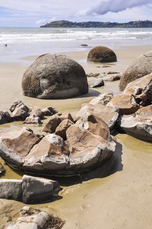 boulders: Moeraki Boulders, New Zealand