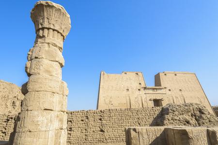 horus: El Templo de Horus, tambi�n Templo de Edfu, Egipto
