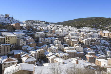 la rioja: Town of Ortigosa de Cameros in a snowy day, La Rioja, Spain