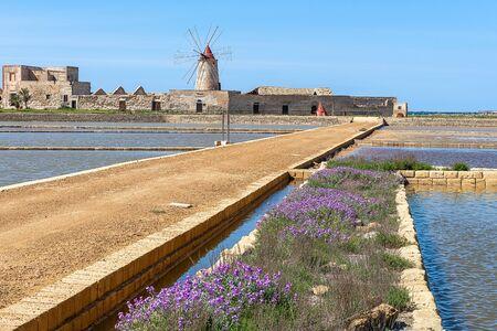 Salt flats of Trapani, Sicily, Italy 版權商用圖片