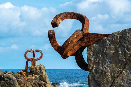Sculpture Peine del Viento in San Sebastian - Donostia, Spain 版權商用圖片