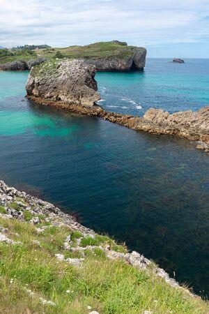 Rocky coast of Buelna, Asturias, Spain 版權商用圖片