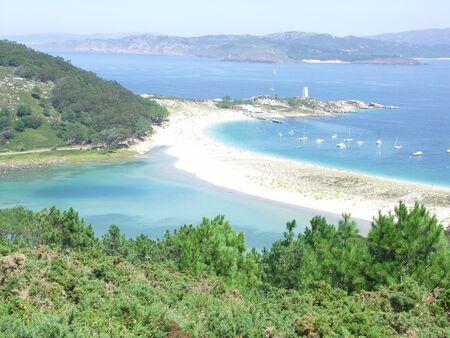 north island: Nenos lake, Das Rodas Beach and Monteagudo island. View from Monte do Faro