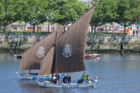 conde: Sailors of sailboat Baltazar and Briosa in the IX Meeting of Traditional Boats in June 2011 in Vila do Conde (Portugal).