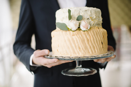 ruffle: wedding cake for a holiday