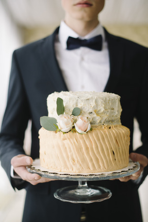 ombre cake: wedding cake for a holiday
