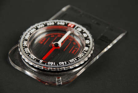 traverse: picture ofa magnetic compass
