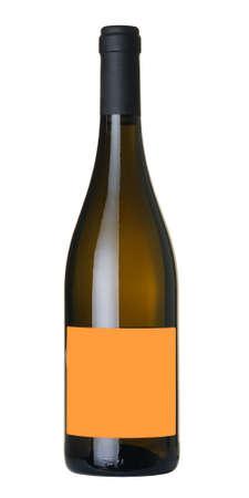 Botella de vino aislado sobre fondo blanco 100%