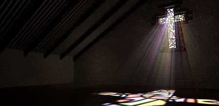 Een interieur gebouw met een kleurrijke glas in lood raam in de vorm van een kruisbeeld met een schijnwerper stralen dringen door het gevolg van het beeld op de vloer Stockfoto