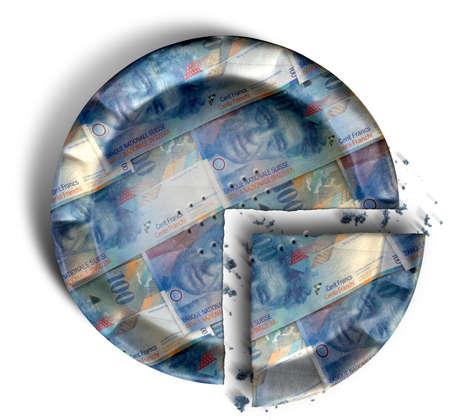 frank szwajcarski: Najwięcej koncepcja widok plasterkach sekcji regularnego pieczone ciasto z krępowane krawędzie wykonane z Frank szwajcarski banknotów na tle pojedyncze Zdjęcie Seryjne
