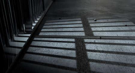 Eine Nahaufnahme der Ansicht einer Gefängniszellen Eisenstangen Schatten auf das Gefängnis Stock mit Kopie Raum