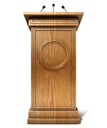 Eine Holz Rede Podium mit drei kleinen Mikrofonen auf einem isolierten weißen Hintergrund Studio befestigt Lizenzfreie Bilder