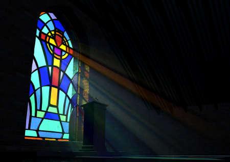 희미한 오래 된 교회 인테리어 색과 바닥에 연설 강단을 반영하는 십자가의 패턴에서 화려한 스테인드 글라스 창을 통해 관통하는 태양 광선에 의해