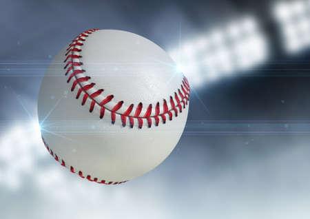 Een regelmatige honkbal bal vliegen door de lucht op een indoor stadion achtergrond tijdens de nacht Stockfoto