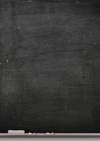 長方形の黒黒板木製棚チョークと、ダスターの金属フレームの
