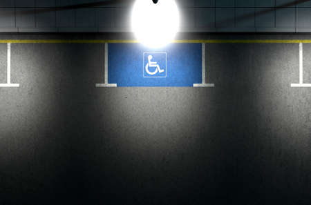 paraplegico: Una sección de una carretera asfaltada con una zona de aparcamiento parapléjico demarcada vacío en la noche iluminada por una luz poste de la calle