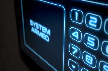 teclado numérico: Una representación 3D de una casa de seguridad del panel de acceso interactivo teclado de la pantalla táctil moderna con un teclado numérico digital de iluminación y palabras que leen el sistema armado