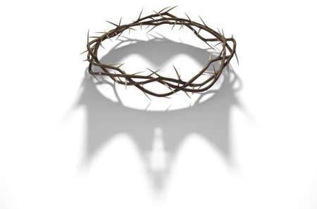 Un rendu 3D concept de branches d'épines tissées dans une couronne représentant la crucifixion jetant une ombre d'une couronne royale sur fond blanc isolé Banque d'images - 68757818