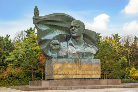 berg: Berlin, Germany - October 26, 2013: Ernst Thaelmann memorial at city distric Prenzlauer Berg. It was built in 1981 - 1986 by the soviet sculptor Lew Jefimowitsch Kerbel.