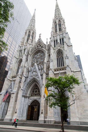 fifth avenue: New York, the Cathedral of St. Patrick Stock Photo