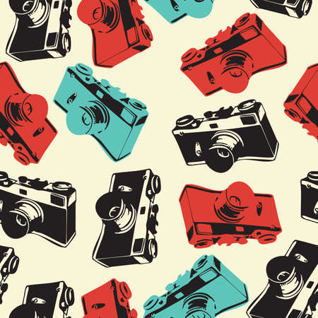 vintage wall: Seamless pattern with old camera