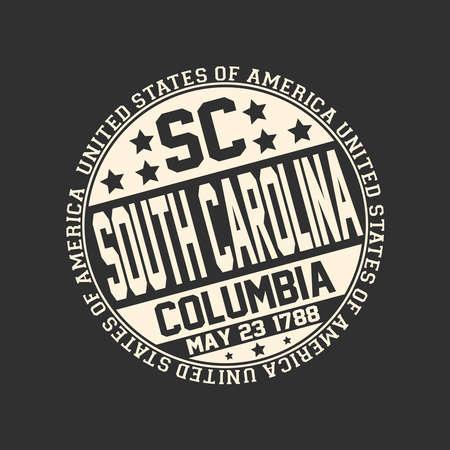 Decoratieve stempel op zwarte achtergrond met postafkorting SC, staatsnaam South Carolina, hoofdstad Columbia en datum wordt een staat 23 mei 1788 met de tekst Verenigde Staten van Amerika eromheen.