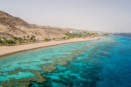 Beach of Eilat city, gulf of Aqaba in the Red Sea, Israel Imagens