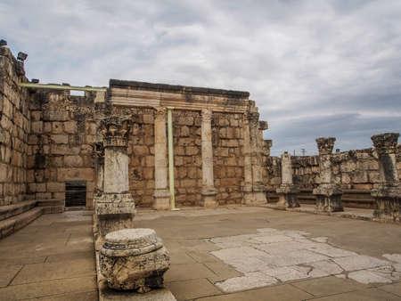 kefar: Ruins of synagogue in ancient Capernaum, archaeological site in Galilee, Israel