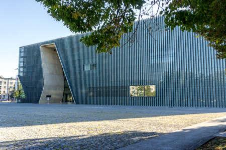 Varsovia, Polonia - 27 de septiembre: Museo de la Historia de Judios de Polonia en Varsovia, Polonia el 27 de septiembre, el año 2016 Editorial
