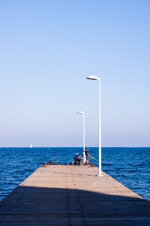 a pier close to Cannes for fishing activity Banque d'images - 111525429