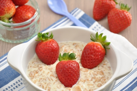 Porridge with strawberries photo