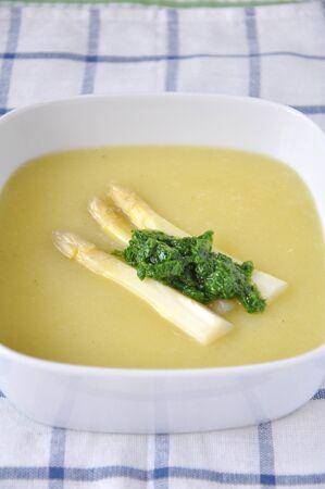 fine tip: Asparagus soup with wild garlic