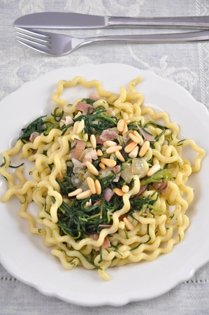 cuisines: Pasta with pine nuts, bacon and spinach
