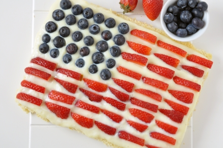 cake with icing: 4th of July Berry Cake