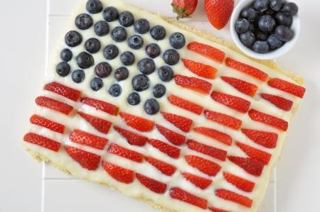american dessert: 4th of July Berry Cake