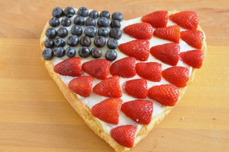 july calendar: 4th of July Berry Cake