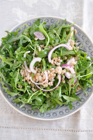 spelt: Healthy Salad with Spelt and Arugula