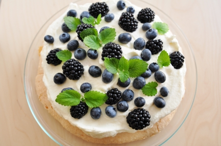 Pavlova with fresh berries photo