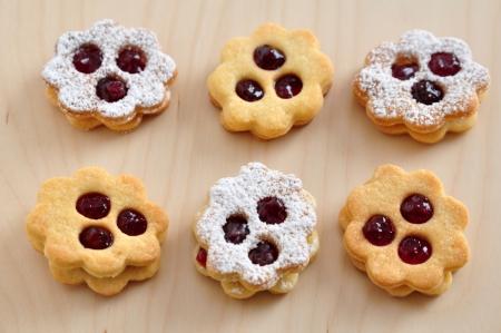 Linzer Cookies Stock Photo - 21691344