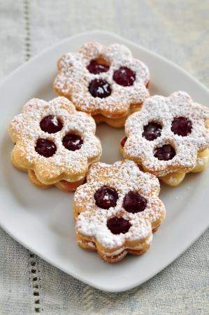 Linzer Cookies Stock Photo - 21691411