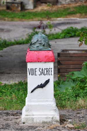 meuse: Voie Sacr�e  D-1916  between Bar-le-Duc and Verdun  department Meuse, France , highway location marker  Stock Photo