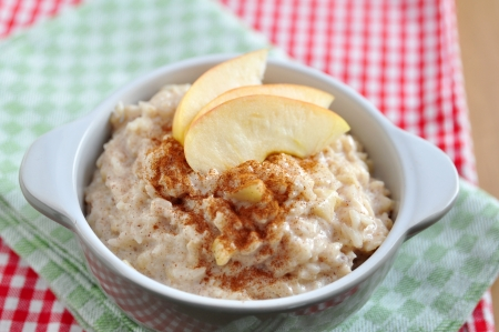 meatless: Milk Rice Pudding with apple and cinnamon