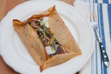 Galette de sarasin - french buckwheat crepe with mushrooms and cheese Zdjęcie Seryjne