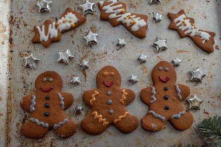 Gingerbread cookies Standard-Bild - 111791200