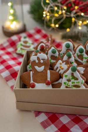 Gingerbread cookies Standard-Bild - 111791209